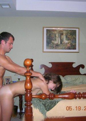 Парочка решила побаловать себя на праздники эротическими снимками - фото 40