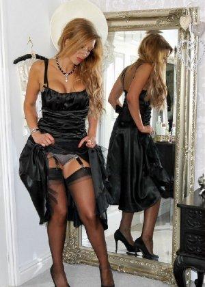 Эротические снимки шикарных женщин в красивом нижнем белье - фото 80