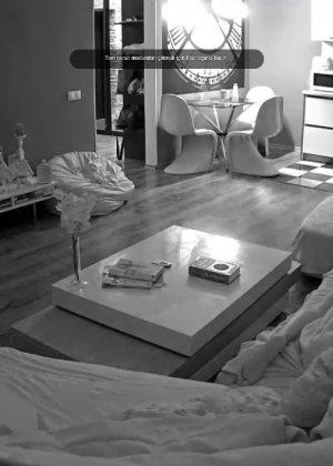 Скрытые камеры зафиксировали секс в неожиданных местах в квартире - фото 35