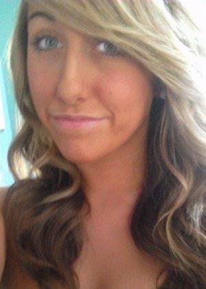 Девятнадцатилетняя блондинка с маленькими сиськами и розовыми губами - фото 22