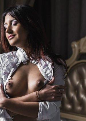 Профессиональная фотосессия от голой и нежной красоточки - фото 15