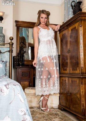 Эротические снимки шикарных женщин в красивом нижнем белье - фото 4