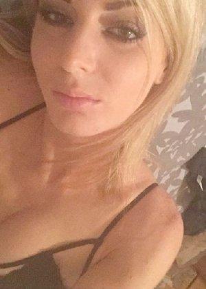 Горячая, худенькая блондинка фоткает себя в зеркало - фото 12- фото 12- фото 12