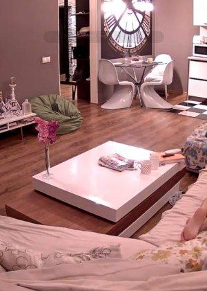 Скрытые камеры зафиксировали секс в неожиданных местах в квартире - фото 14