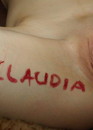 Шлюха Клаудия исполняет любой каприз нанявших ее мужиков - фото 9