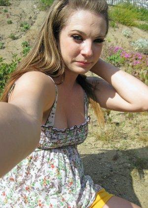 Бесстыдная деваха Кимберли делает порно селфи своих прелестей - фото 5