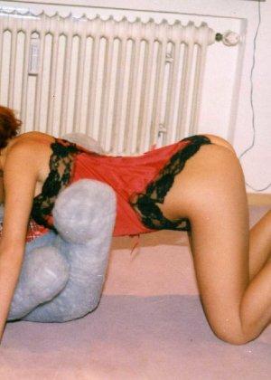 Девушка Лиза позирует в разных сексуальных нарядах - фото 4