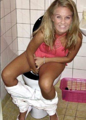 Девчонок подстерегли в туалете, сфотографировали и выложили в сеть - фото 28