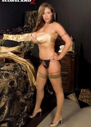 Эротические снимки шикарных женщин в красивом нижнем белье - фото 68