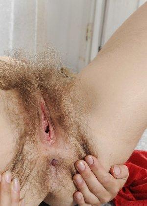 Волосатая Роза демонстрирует свои разработанные дырки крупным планом - фото 64