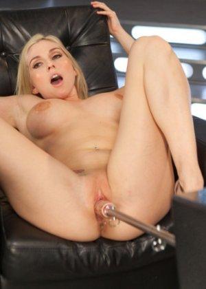 Наконец-то Кристи испытала оргазм - фото 11