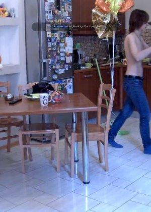 Скрытые камеры зафиксировали секс в неожиданных местах в квартире - фото 32