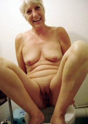Девчонок подстерегли в туалете, сфотографировали и выложили в сеть - фото 65