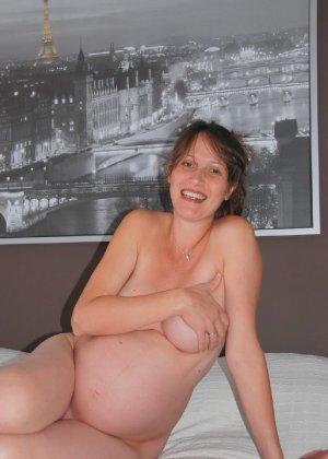 Домашняя фотосессия беременной кудряшки - фото 5