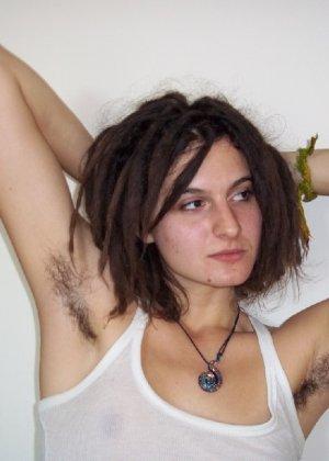 Волосатая и она же бритая пизда порно82