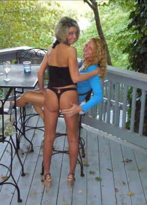 Подружки позабавились вдвое, а потом пригласили к себе мужчину - фото 2