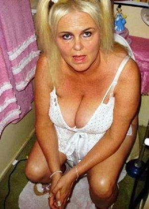 Девчонок подстерегли в туалете, сфотографировали и выложили в сеть - фото 62