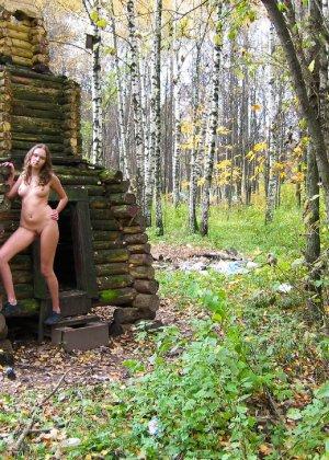 Русская девчонка Оля не стесняется голых фоток на улице - фото 65 - фото 65 - фото 65