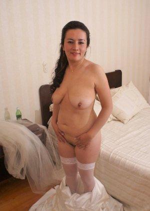 Невеста наконец-то сняла свое платье в спальни, под ним она была голая - фото 9