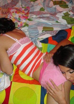 Домашний секс втроем - фото 9