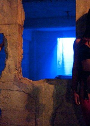 Annie Cruz, James Deen, Leilani Leeane - Галерея 3390044 - фото 7