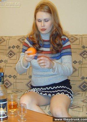 Голая пьяная русская девушка - фото 8