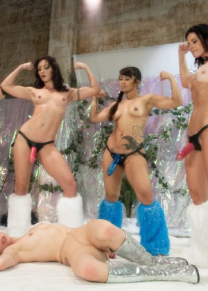 Milcah Halili, Wenona, India Summer, Dragonlily, Lorelei Lee - Галерея 3407781 - фото 6