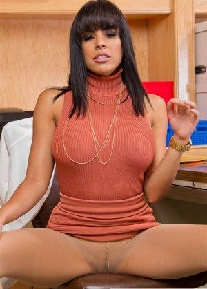 Занялись сексом на работе - фото 9