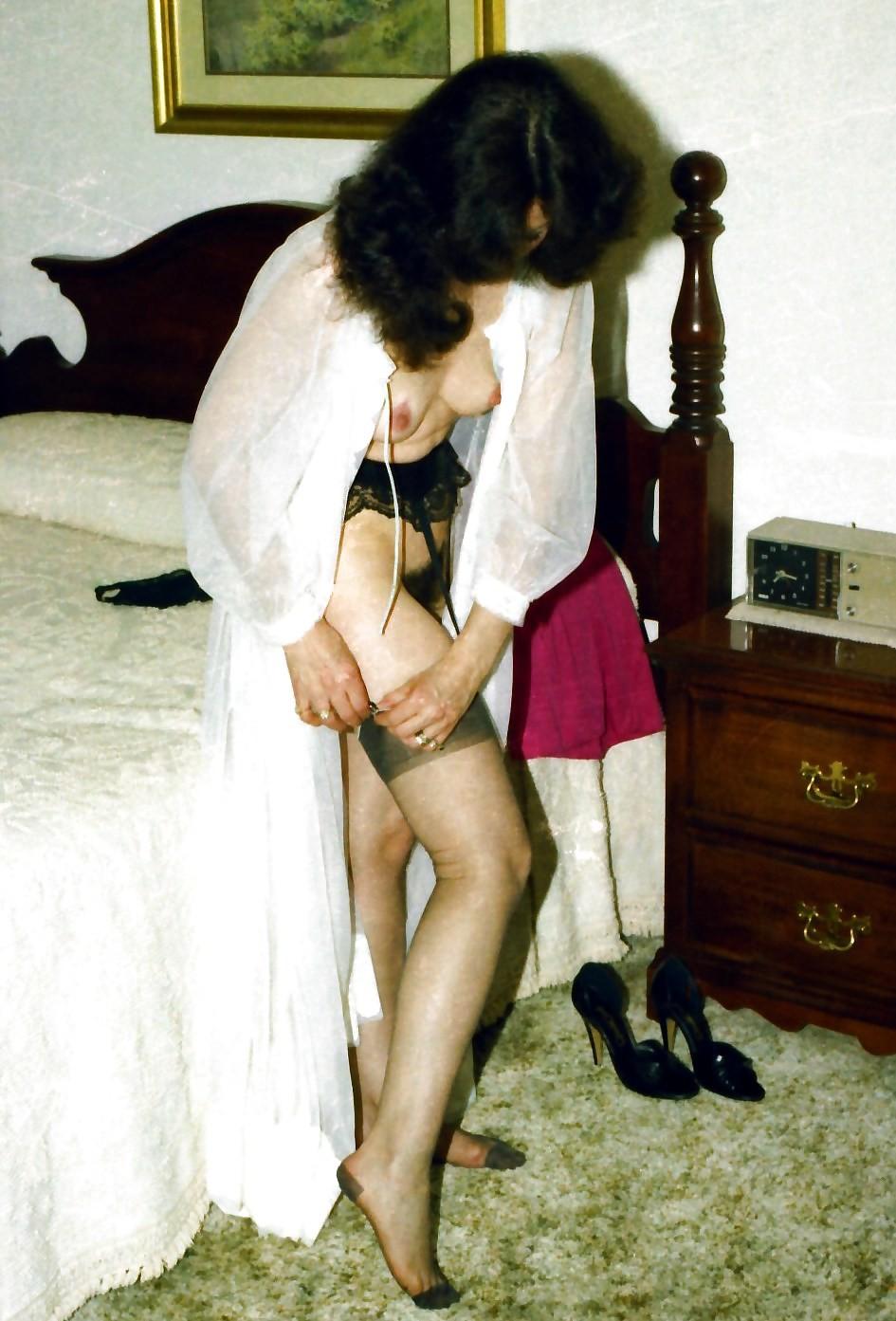 Фотографии в стиле ретро порадуют многих любителей классического секса со времен восьмидесятых
