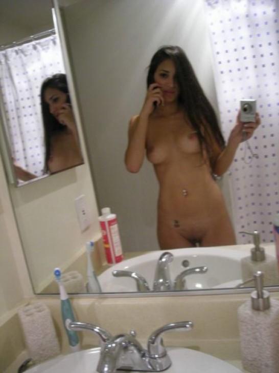 Сабрина – сексуальная брюнетка с экзотической внешностью, которая возбудит многих своей фигуркой