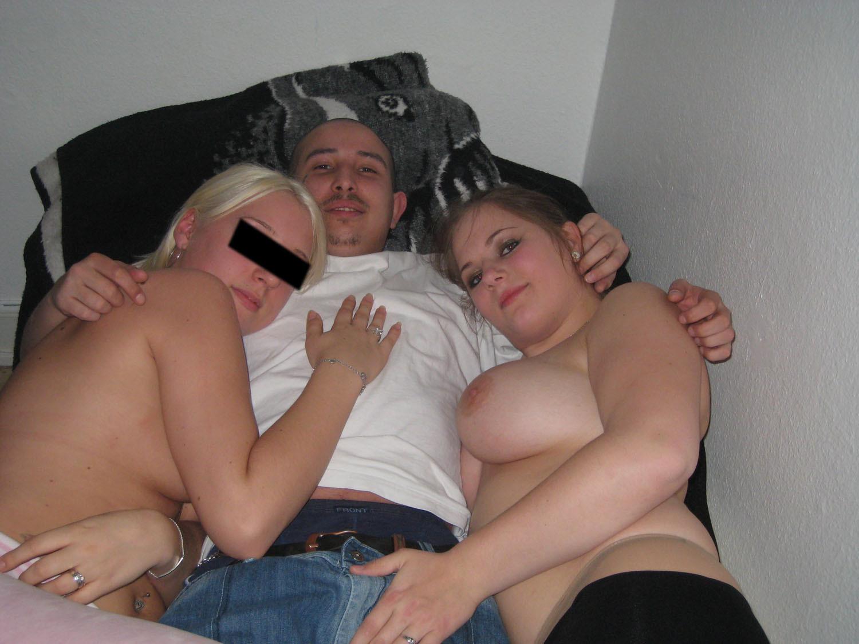 Девушки напиваются и устраивают мощную оргию на весёлой домашней вечеринке