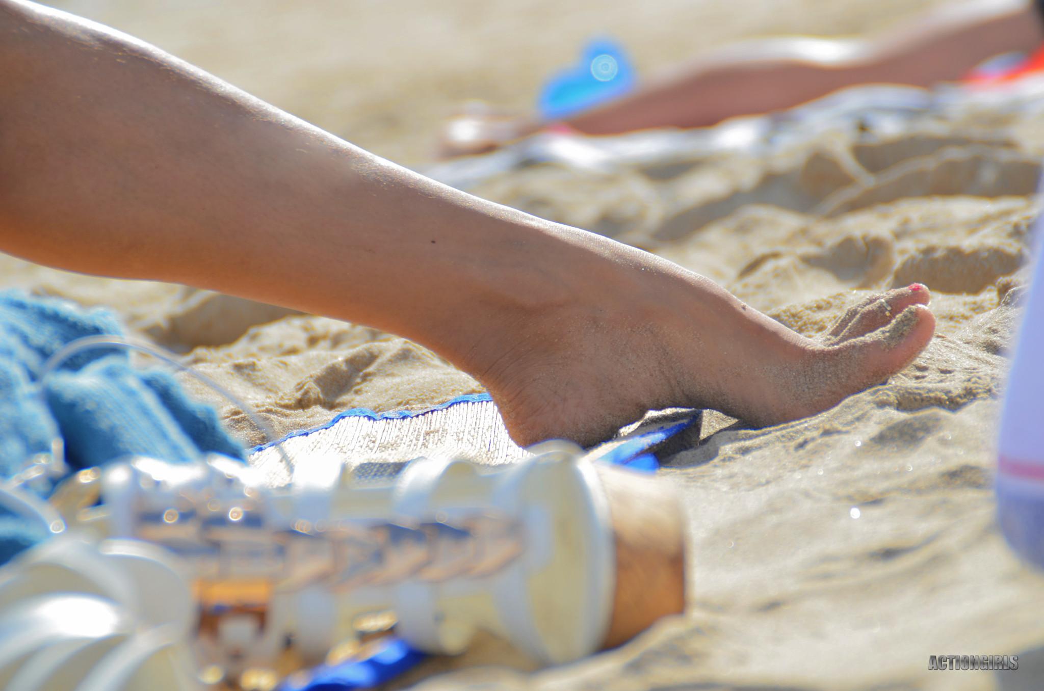 Фото очень больших голых сисек всегда возбуждающие, только посмотрите на эти буфера красотки Арми Филд