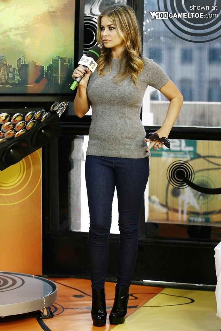 Фото знаменитости Кармен Электра, у нее аппетитная фигура, которую она не боится выставлять напоказ
