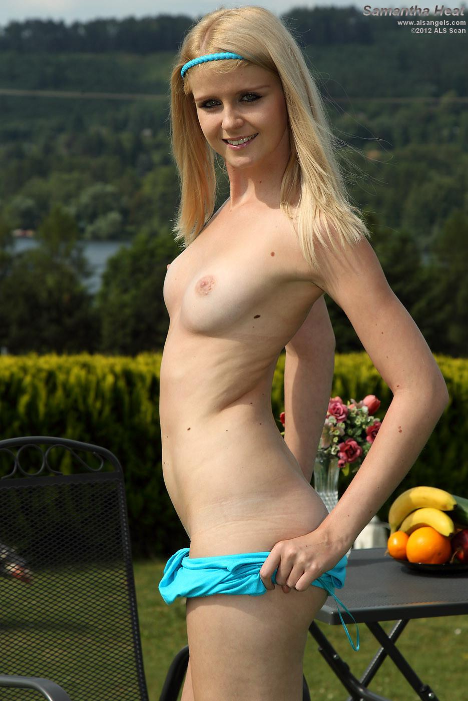 Блондинка Саманта выглядит так невинно, а на деле оказывается очень даже развратной стервочкой
