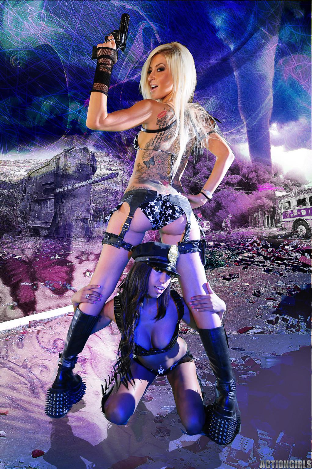 Красотка Дженифер на съемках фантастического порно фильма со своей подругой лесбиянкой