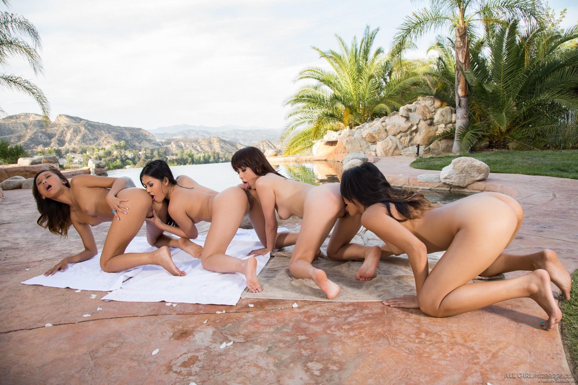 Четыре азиатских лесбиянки устроили страстную оргию у бассейна, после взаимного массажа