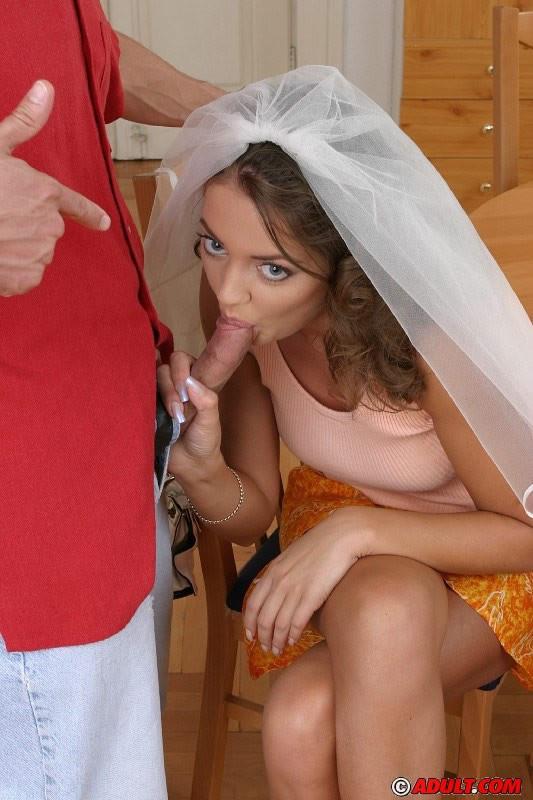 Мужику нравится секс с невестами, он просит проститутку надеть фату, затем имеет ее в жопу после пизды