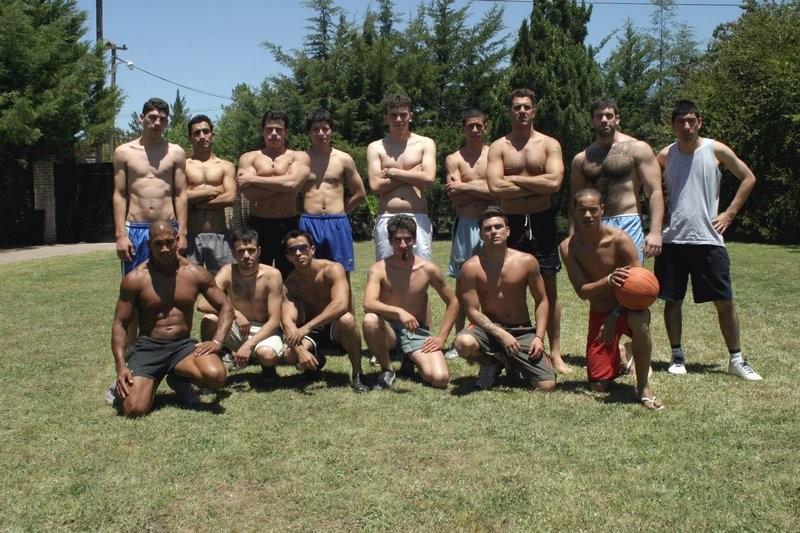 Футбольная команда прошлась по красивой брюнетке