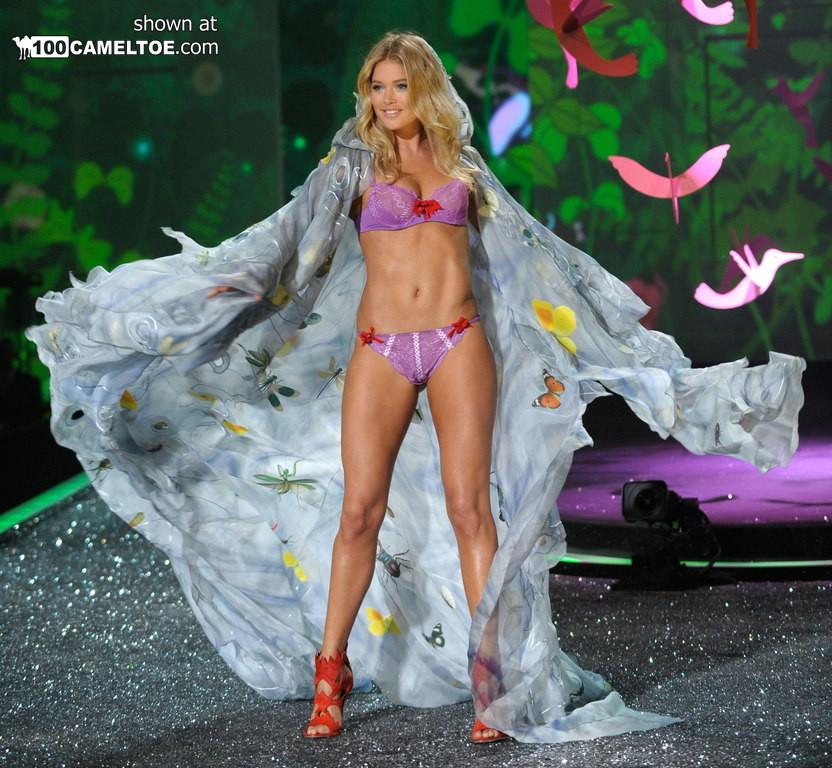 На конкурсе красоты все телки хороши, но знаменитая Даутцен Крез с ее аппетитной фигурой выглядит лучше всех