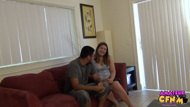 Пышка Рут Уэнам уговаривает мужика раздеться, она хочет показать свои навыки в минете, он остается доволен, а она получает сперму в рот и на руки