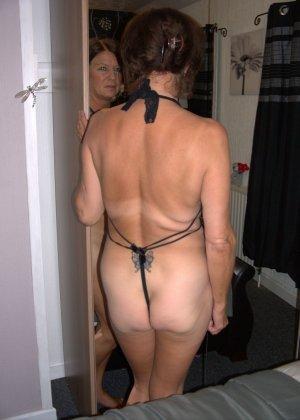 Опытная женщина знает, что нужно для того, чтобы выглядеть невероятно соблазнительно на фотографиях - фото 25