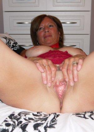 Опытная женщина знает, что нужно для того, чтобы выглядеть невероятно соблазнительно на фотографиях - фото 31