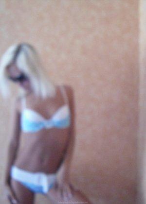 Любителям раскованных блондинок понравится эта галерея – здесь можно рассмотреть самые пикантные зоны - фото 7