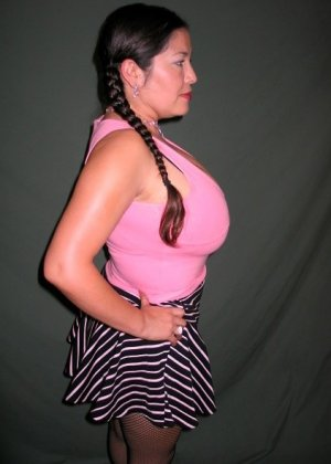 Ванеса Рейес показывает свои огромные буфера перед камерой и поражает их невероятным объёмом - фото 22