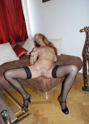 Девушки раздеваются в домашних условиях и показывают свои сексуальные тела всем желающим - фото 48