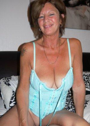 Опытная женщина знает, что нужно для того, чтобы выглядеть невероятно соблазнительно на фотографиях - фото 11