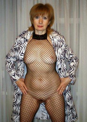 Женщины, которые любят заниматься сексом в разных костюмах, показывают себя в действии - фото 36