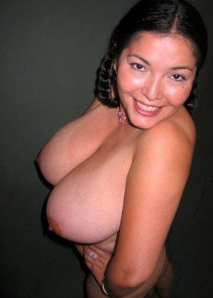 Ванеса Рейес показывает свои огромные буфера перед камерой и поражает их невероятным объёмом - фото 67