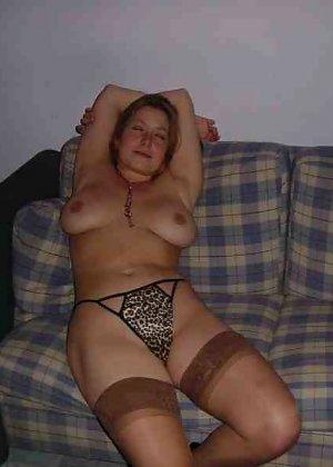 Польская дамочка раздевается перед камерой, показывая все самые интимные части своего тела - фото 16