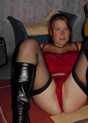 Польская дамочка раздевается перед камерой, показывая все самые интимные части своего тела - фото 14